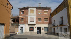 Casa en el centro de Gelsa en oferta con bodegas subterráneas