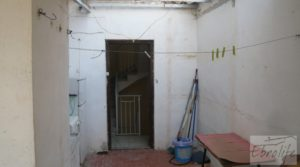 Casa en el centro de Gelsa para vender con local comercial