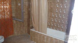 Detalle de Casa en el centro de Gelsa con buhardilla independiente por 115.000€